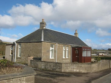 3 Bed Detached Cottage situated in a scenic location in Bridgefoot