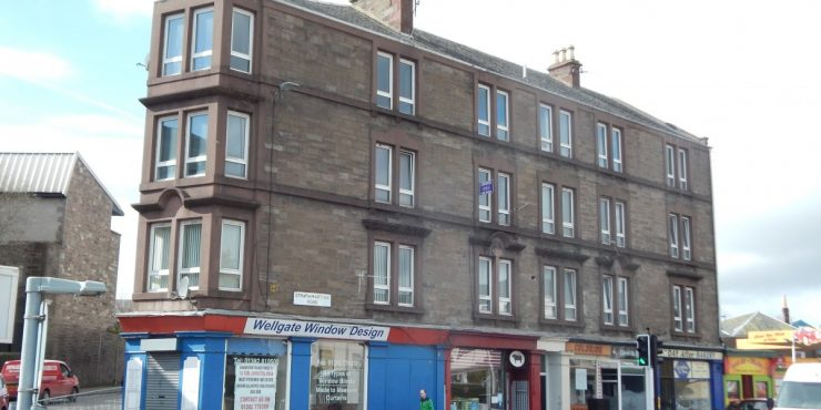 Large 2 Bed 2nd Floor Flat situated on Strathmartine Road