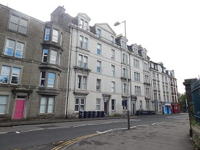 3 Bed Furnished Flat within walking distance of the city centre, opposite Baxter Park.